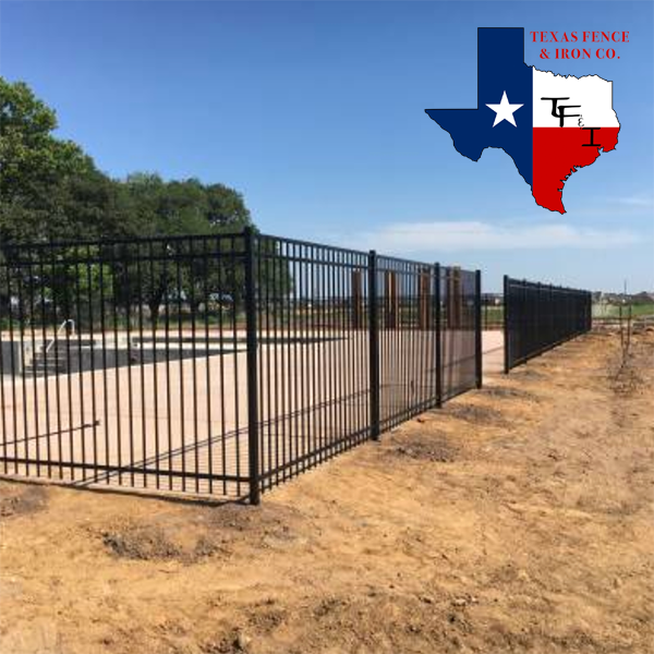 4 Things to Know About Commercial Fences