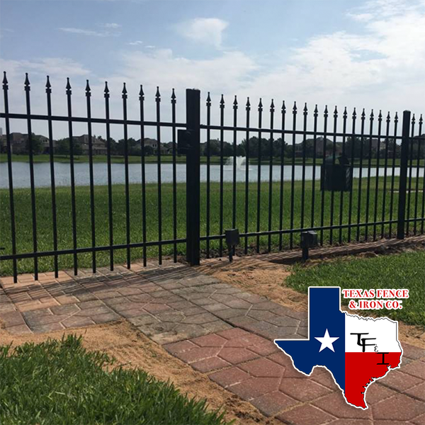 Why Choose an Aluminum Fence?