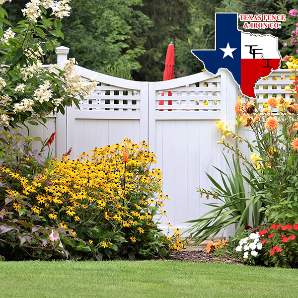 Tips for Whitewashing Your Fence